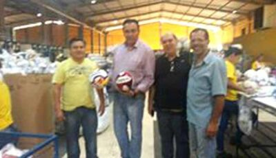 Vereador de Campo Grande visita Fabrica de Bolas Kagiva de Vicentina