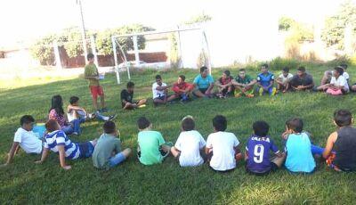 Projeto Bom de Bola, Bom na Escola celebra o dia do amigo em Fátima do Sul