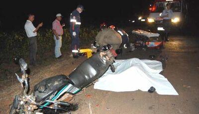 Um morre e outro fica ferido em grave acidente