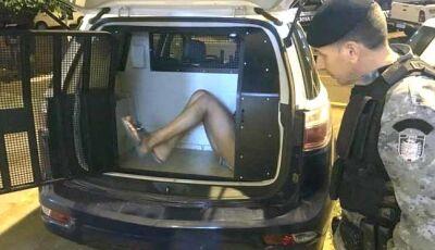 Garota é presa com porções de crack na calcinha em Nova Andradina