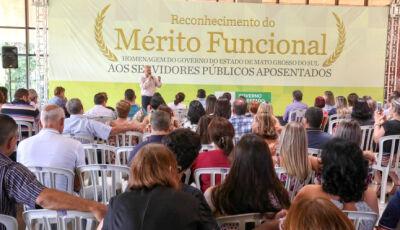 Governo homenageia 3 servidores aposentados de Fátima do Sul e 517 do MS na segunda-feira
