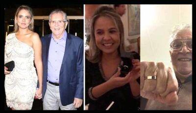"""Carlos Alberto da """"Praça é Nossa"""" vai se casar em junho com nutricionista 44 anos mais jovem"""