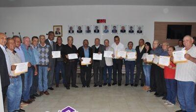 Câmara entregou 'títulos cidadão' a todos que contribuíram com a história de Deodápolis