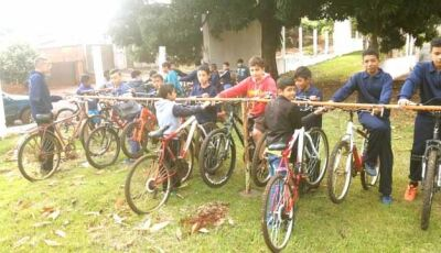 Projeto Bom de Bola Bom na Escola instala dois bicicletários em Fátima do Sul