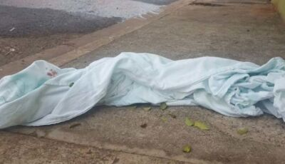 Jovem é morto com dois tiros e motivo do crime é desconhecido