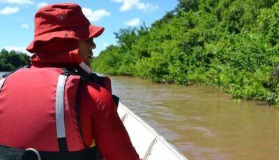 Ao tomar banho em rio, mulher desaparece e bombeiros fazem buscas