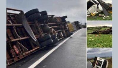 Tornado atinge o norte gaúcho e vento derruba caminhões
