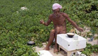 """Homem que viveu 30 anos pelado em ilha é """"capturado"""" pelo governo"""