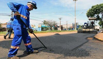 Governo assina contratos que ultrapassam R$ 5 milhões para recapear ruas de Paranaíba e Bandeirantes