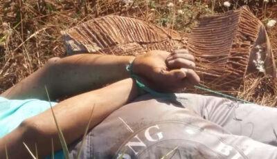 Rapaz encontrado morto com mãos e pés amarrados é identificado