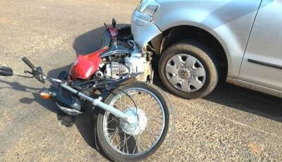 Motocicleta ocupada por casal é atingida por carro em Nova Andradina