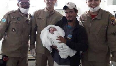 Mulher dá à luz dentro de viatura do Corpo de Bombeiros em Nova Andradina