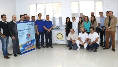 Rotary e parceiros faz doação de um bisturi eletrônico para o hospital municipal