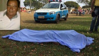 Professor comete suicídio em praça central em Angélica