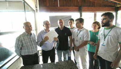 Em Nova Andradina, Alunos do IFMS procuram Reinaldo que vai tentar viabilizar solução para MS-473