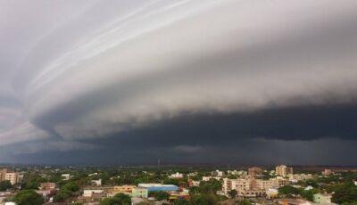 Climatempo emite alerta para chegada de tempestade em Dourados e MS
