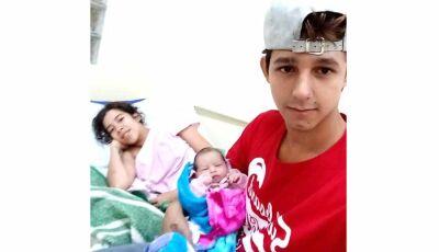 """Felizes por 1 mês de vida da filha, casal """"Rick Doces"""" agradecem a Equipe de Saúde de Fátima do Sul"""