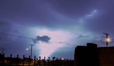 Durante temporal mais de 4.320 raios atingiram Mato Grosso do Sul