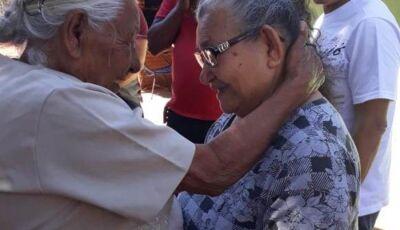 Em mais um dia que custou a chegar, irmãs se reencontram após 62 anos