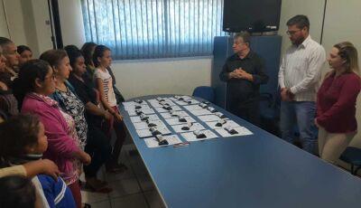 Prefeitura entrega óculos e beneficiados destacam ações da saúde em Jateí
