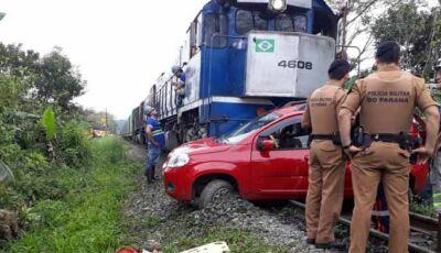 Marido não percebe aproximação do trem e mulher morre em acidente