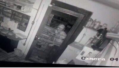Vídeo mostra estabelecimento comercial sendo furtado em Dourados
