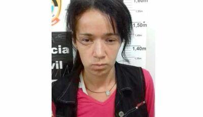 Mulher agride policial e quebra viatura após ser flagrada com drogas na rodoviária de Dourados