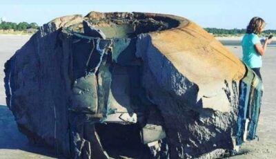Objeto 'alienígena' aparece em praia dos EUA