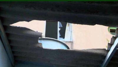 Bebê é jogado pela janela e pai fica ferido ao tentar salvar, no ES