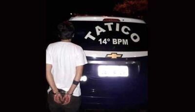Força Tática prende jovem transportando um tablete de cocaína em Vicentina