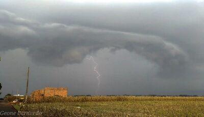 Feriadão com previsão de temporal e muita chuva na quinta-feira em Fátima do Sul