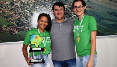 Marquinhos do Dedé recebe campeãs do JOJUMS e fala do compromisso com desporto escolar em VICENTINA