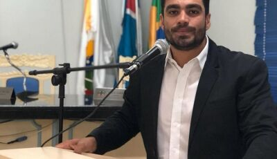 Diego pede Academia ao 'Ar Livre' na praça e luminária em Rua do Jardim Hidalgo em Fátima do Sul