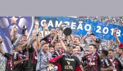 Atlético-PR ganha nos penaltis e é campeão da Sul-Americana