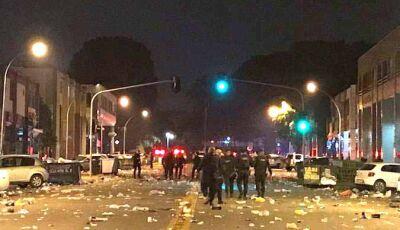 'Tiro, porrada e bomba': festa em universidade acaba em pancadaria e PM responde com violência