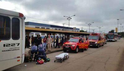 VÍDEO: ônibus passa por cima de braço de passageira dentro do terminal Morenão