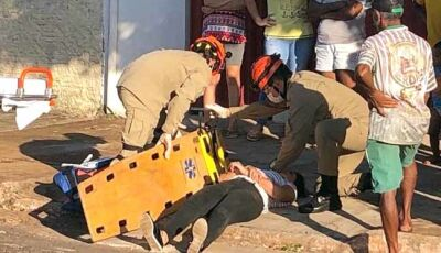 Motociclista fica ferida em colisão com bicicleta em Nova Andradina