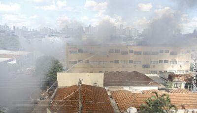 Entre chave de carro e roupa, hóspedes perdem tudo em incêndio que destruiu hotel na Capital