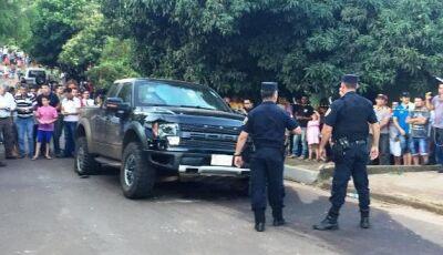 Veículo blindado de sobrinho Pavão é atacado por pistoleiros