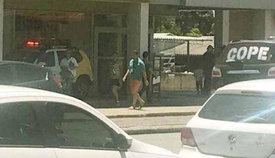 Homens invadem banco, trocam tiros com polícia e fogem com R$ 1 milhão