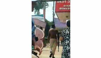 Andarilho é flagrado com fuzil na mão e assusta moradores e comerciantes na Fronteira