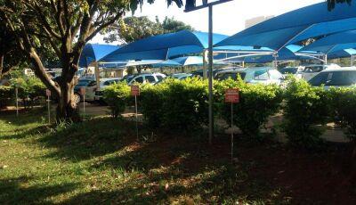Médico é sequestrado em estacionamento de hospital e tem carro roubado em Campo Grande