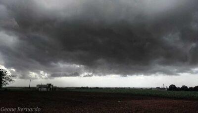 Meteorologia alerta para a possibilidade de chuva forte no fim de semana no MS