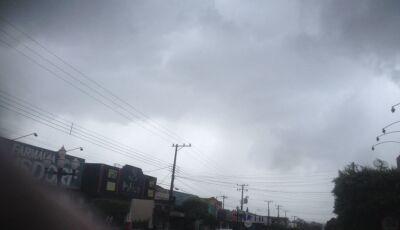 Alta temperatura traz pancadas de chuva nesta segunda em Fátima do Sul