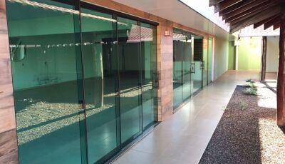 Carcará Imóveis destaca para venda, Casa com espaço para salão de festa e eventos em Fátima do Sul