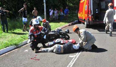 Atropelamento deixa três pessoas feridas, na Capital; uma delas em estado grave