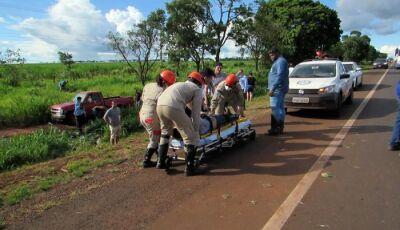 Um morre e outro fica ferido em acidente com caminhonete na BR 163