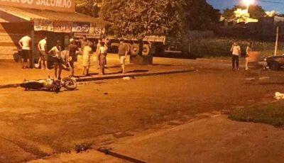 Acidente na esquina do 3º Batalhão de Itaporã, deixa motociclista e passageiro feridos