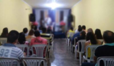 Menina de 5 anos é estuprada em igreja evangélica enquanto mãe participava de culto