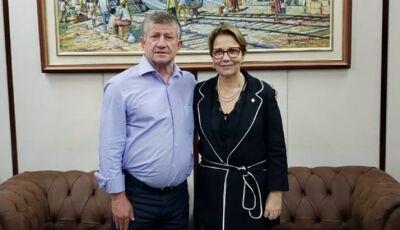 No gabinete da Ministra, Eraldo consegue 50 casas além de recursos ao parque da fogueira para Jateí